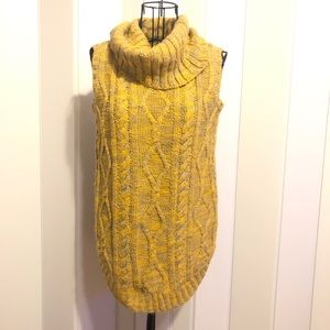 Sweaters - Turtleneck Small Grey & Yellow Sleeveless Sweater